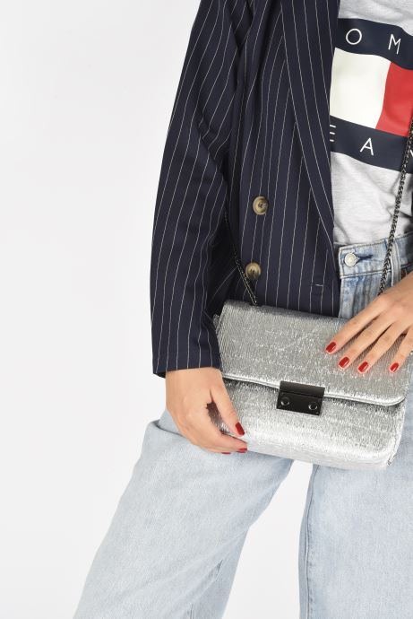 Handtaschen COSMOPARIS OMANE silber ansicht von unten / tasche getragen