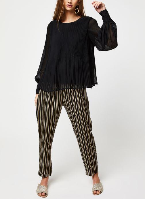 Vêtements Y.A.S YASKRYSTLE L/S TOPS Noir vue bas / vue portée sac