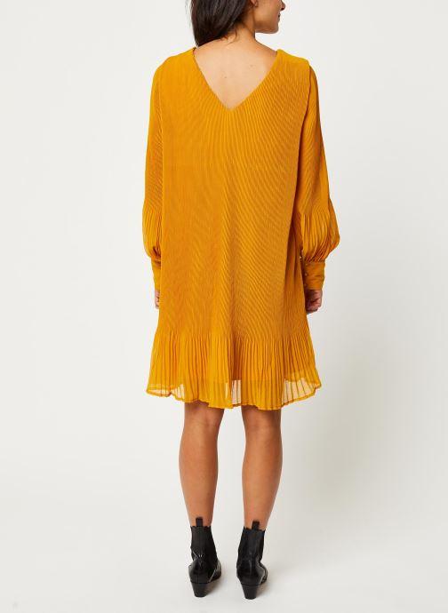 Vêtements Y.A.S YASKRYSTLE SHORT DRESSES Jaune vue portées chaussures