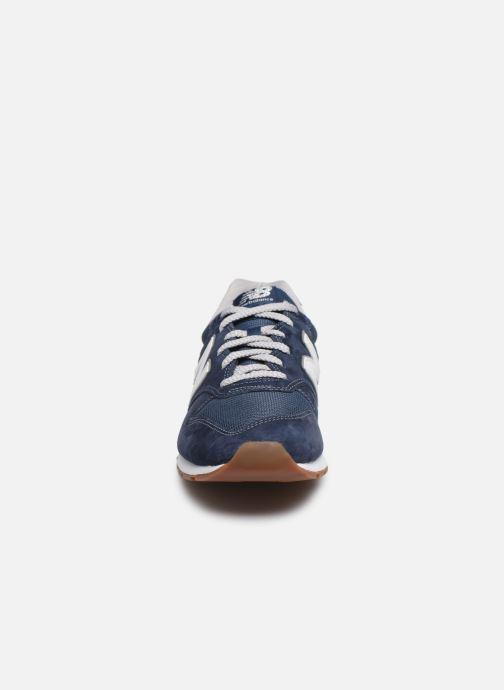 Baskets New Balance CM996 Bleu vue portées chaussures