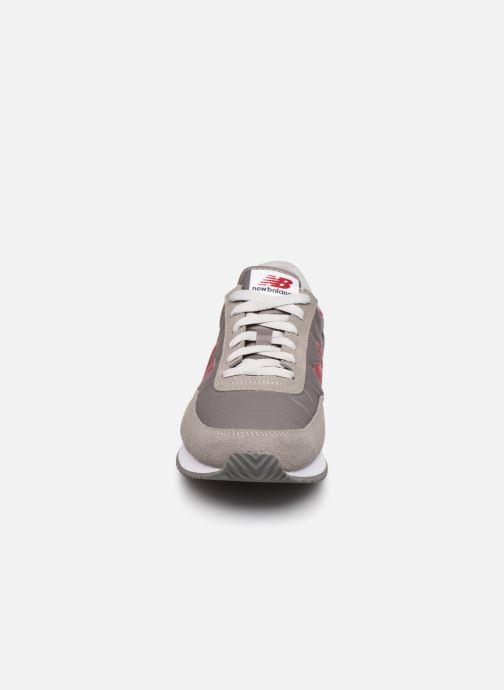 Baskets New Balance UL720 Gris vue portées chaussures
