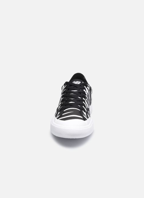 Sneakers New Balance PROCT M Nero modello indossato