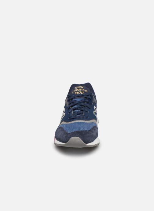 Baskets New Balance CW997 Bleu vue portées chaussures
