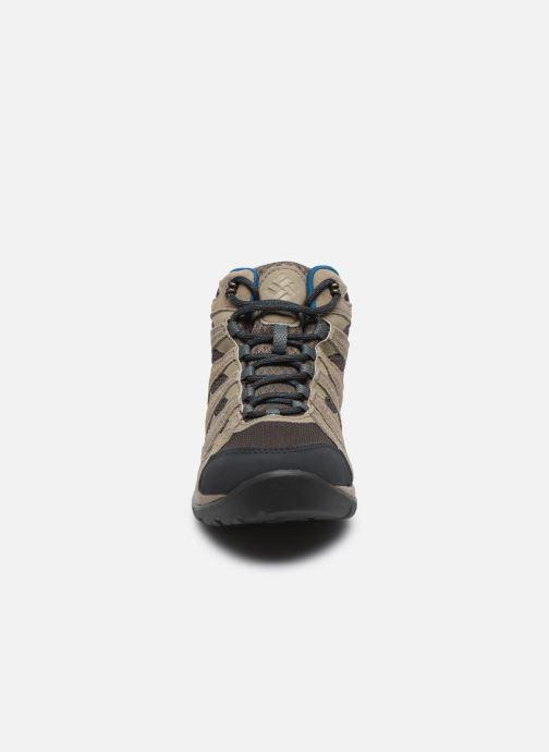 Chaussures de sport Columbia Redmond V2 Mid Waterproof Beige vue portées chaussures