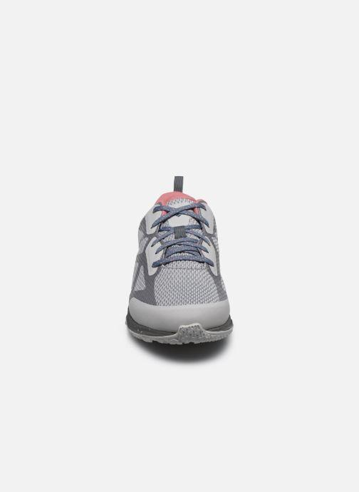 Chaussures de sport Columbia Vitesse Outdry Gris vue portées chaussures