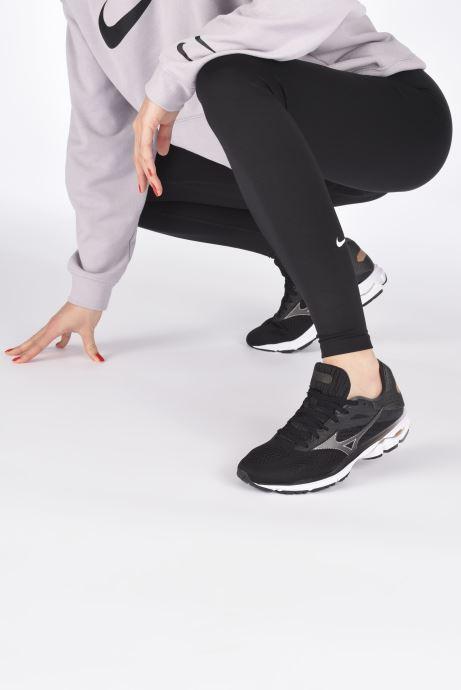 Chaussures de sport Mizuno Wave Rider 23 - W Noir vue bas / vue portée sac
