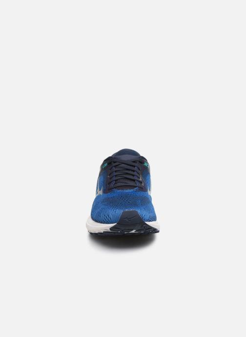 Sportschuhe Mizuno Wave Skyrise blau schuhe getragen