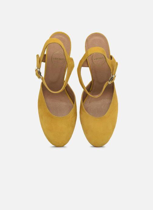Zapatos de tacón Made by SARENZA South Village Escarpin #2 Amarillo vista del modelo
