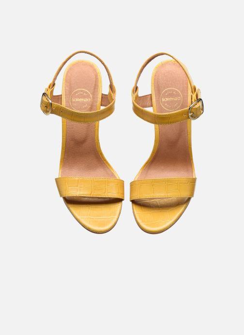 Sandali e scarpe aperte Made by SARENZA South Village Sandales à Talons #4 Giallo modello indossato