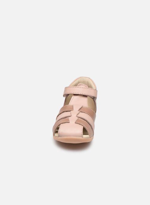 Sandales et nu-pieds Kickers Bigflo-2 Rose vue portées chaussures