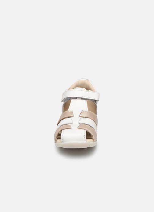Sandalias Kickers Bigflo-2 Blanco vista del modelo