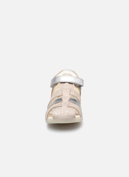 Sandalen Kickers Bigflo-2 silber schuhe getragen