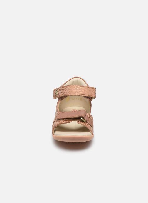 Sandales et nu-pieds Kickers Binsia-2 Rose vue portées chaussures