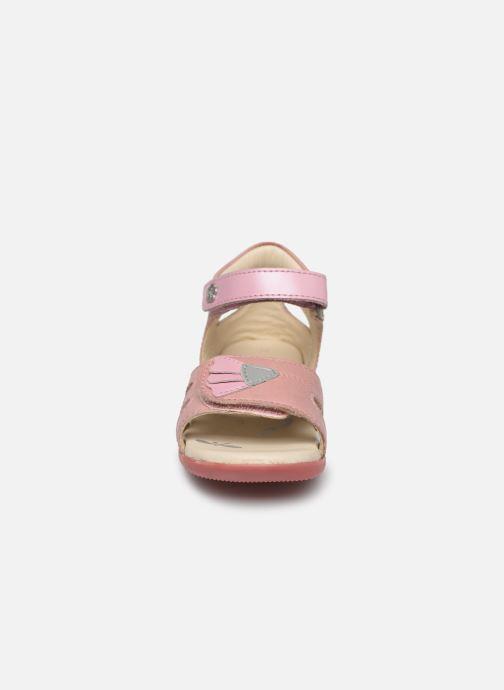 Sandales et nu-pieds Kickers Bichetta Rose vue portées chaussures