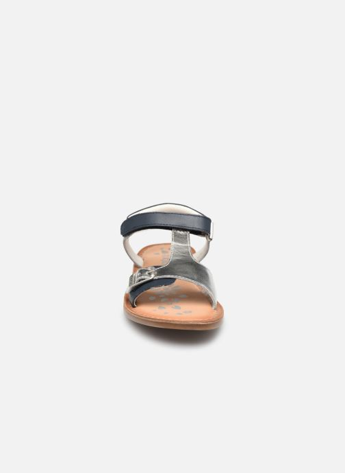 Sandalen Kickers Diazz silber schuhe getragen