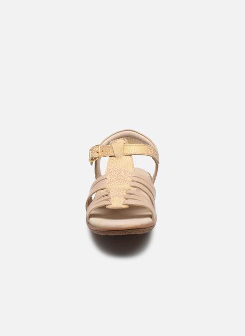 Sandales et nu-pieds Kickers Verybest Or et bronze vue portées chaussures