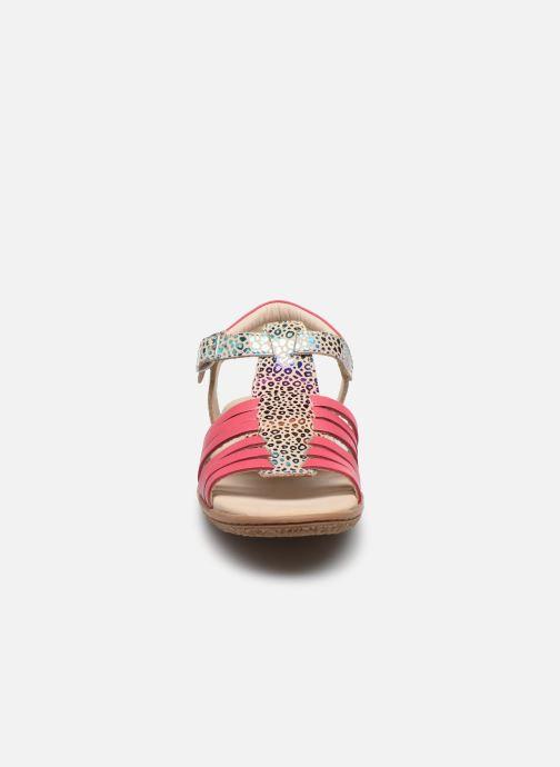 Sandalen Kickers Verybest mehrfarbig schuhe getragen