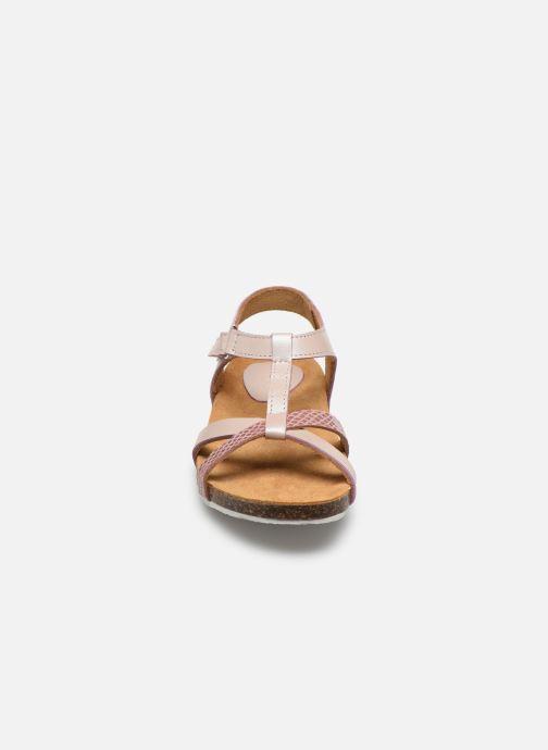 Sandales et nu-pieds Kickers Bodery Rose vue portées chaussures