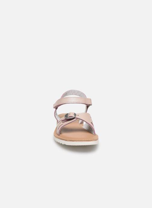 Sandales et nu-pieds Kickers Shaflyn Rose vue portées chaussures