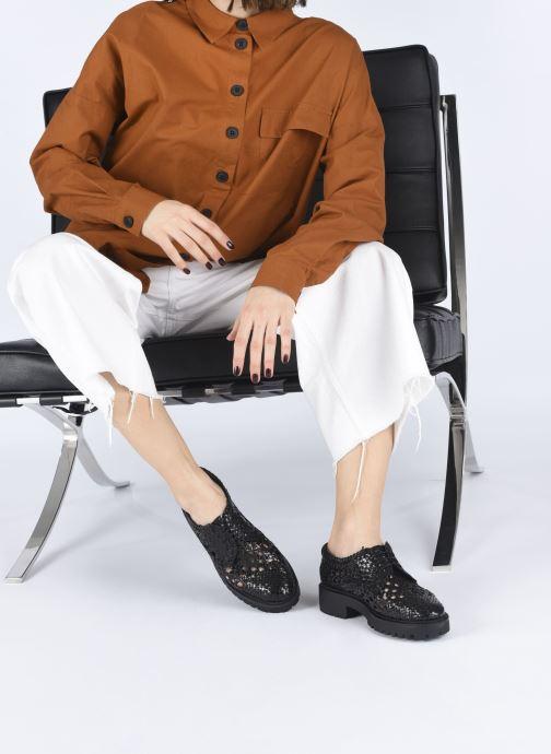 Chaussures à lacets Made by SARENZA Riviera Couture Souliers #1 Noir vue bas / vue portée sac