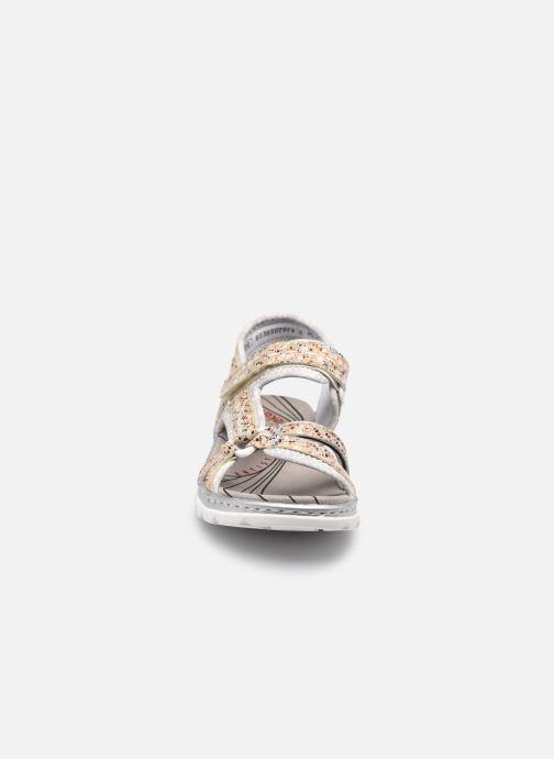 Sandali e scarpe aperte Rieker Joshua Argento modello indossato