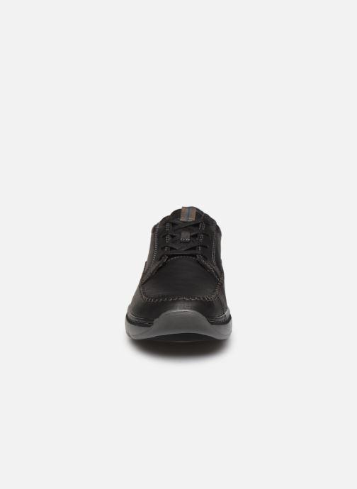 Scarpe con lacci Clarks Charton Vibe Nero modello indossato