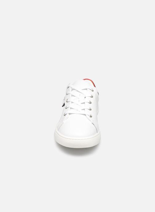 Sneakers Karl Lagerfeld Z19037 Bianco modello indossato