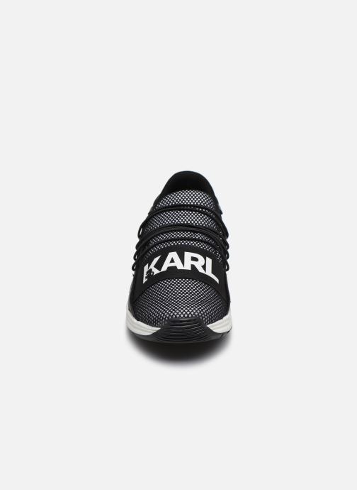 Sneaker Karl Lagerfeld Z19038 schwarz schuhe getragen