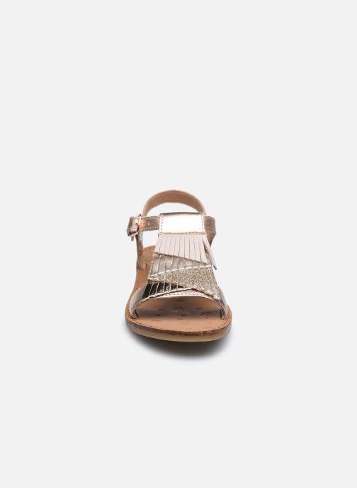 Sandali e scarpe aperte Shoo Pom Happy Falls Argento modello indossato