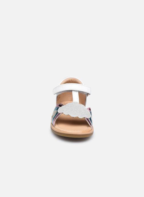 Sandali e scarpe aperte Shoo Pom Tity Rainbow Bianco modello indossato