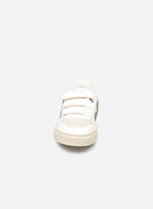 Baskets Veja Small V-10 Velcro Blanc vue portées chaussures