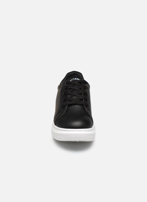 Sneakers Chattawak BRIVA Nero modello indossato