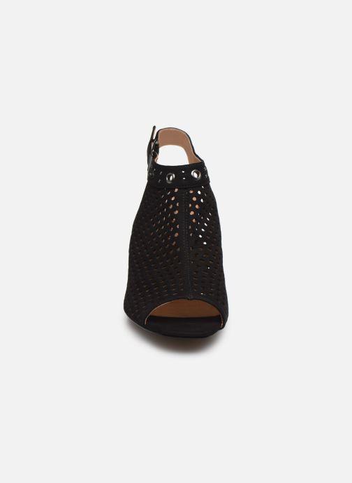 Sandali e scarpe aperte Chattawak DEBORAH Nero modello indossato