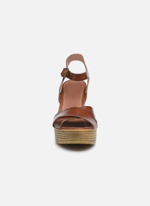 Sandali e scarpe aperte Chattawak HORTENSE Marrone modello indossato