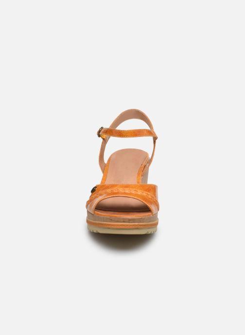 Sandales et nu-pieds Chattawak JODY Jaune vue portées chaussures