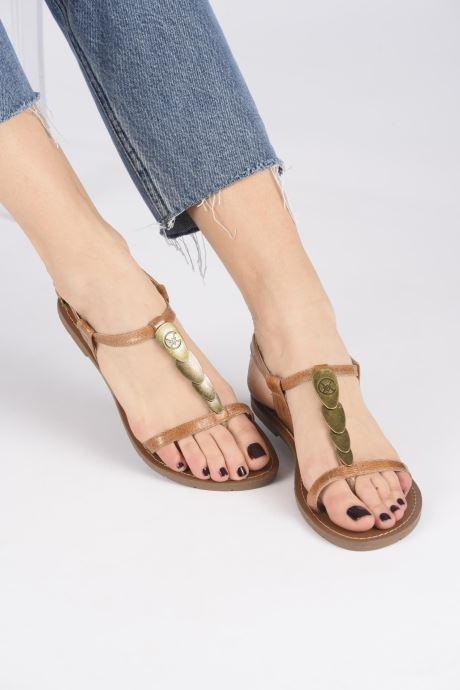 Sandales et nu-pieds Chattawak LUCINDA Marron vue bas / vue portée sac
