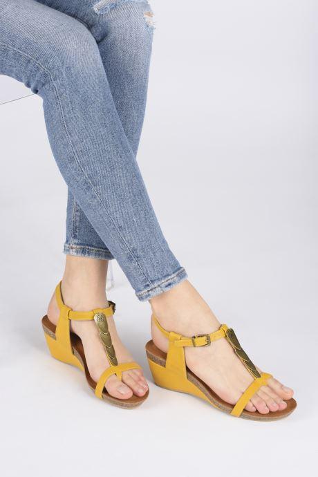 Sandales et nu-pieds Chattawak MILA Jaune vue bas / vue portée sac