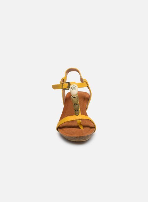 Sandales et nu-pieds Chattawak MILA Jaune vue portées chaussures