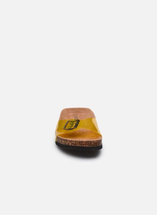 Zuecos Chattawak OPALINE Amarillo vista del modelo