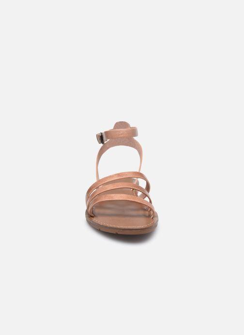 Sandali e scarpe aperte Chattawak PAGO Beige modello indossato