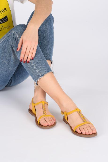 Sandales et nu-pieds Chattawak PETUNIA Jaune vue bas / vue portée sac
