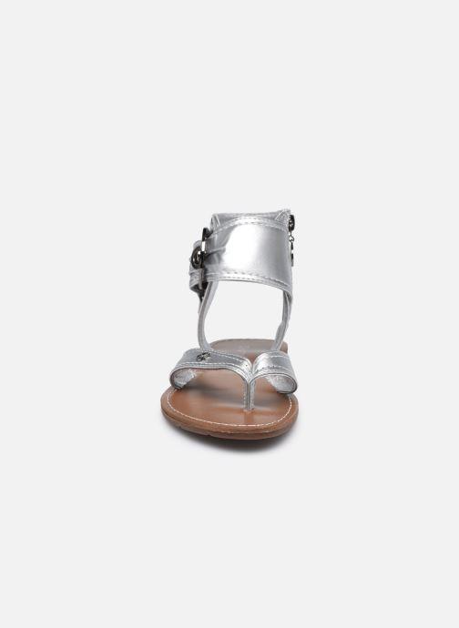 Sandali e scarpe aperte Chattawak THALIE Argento modello indossato