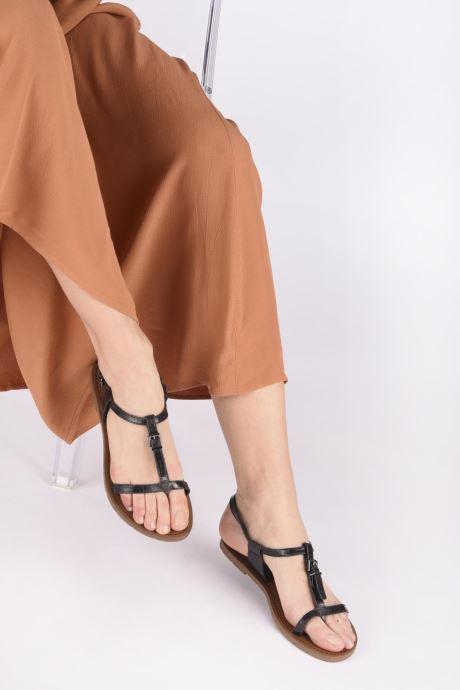 Sandals Chattawak ZHOE Beige view from underneath / model view