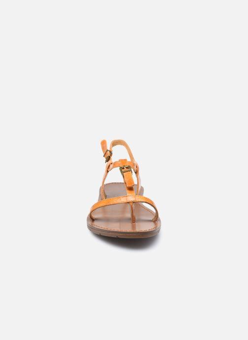 Sandali e scarpe aperte Chattawak ZHOE Giallo modello indossato