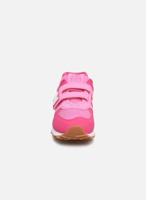 Baskets New Balance KV574 Rose vue portées chaussures