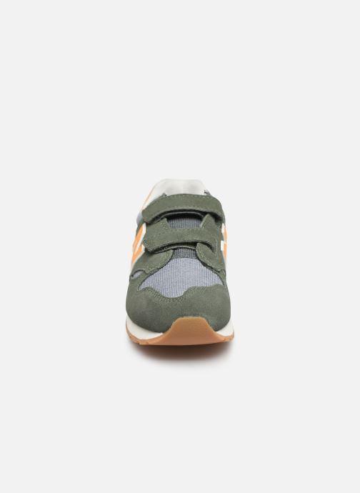 Baskets New Balance KV520 Vert vue portées chaussures