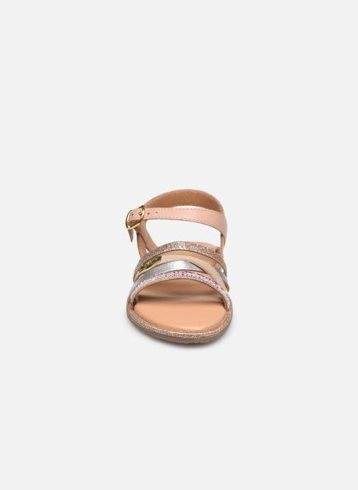 Sandales et nu-pieds Les Tropéziennes par M Belarbi Inaya Beige vue portées chaussures
