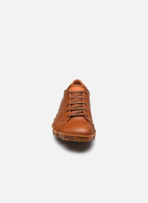 Baskets Art MELBOURNE 768 Marron vue portées chaussures