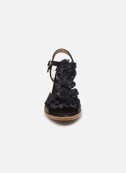 Sandali e scarpe aperte Neosens MONTUA S969 Nero modello indossato