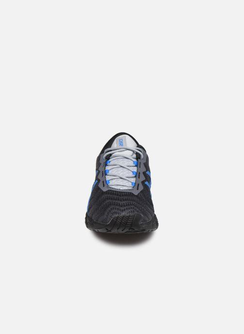 Chaussures de sport Asics Gel-Quantum 180 5 Gris vue portées chaussures